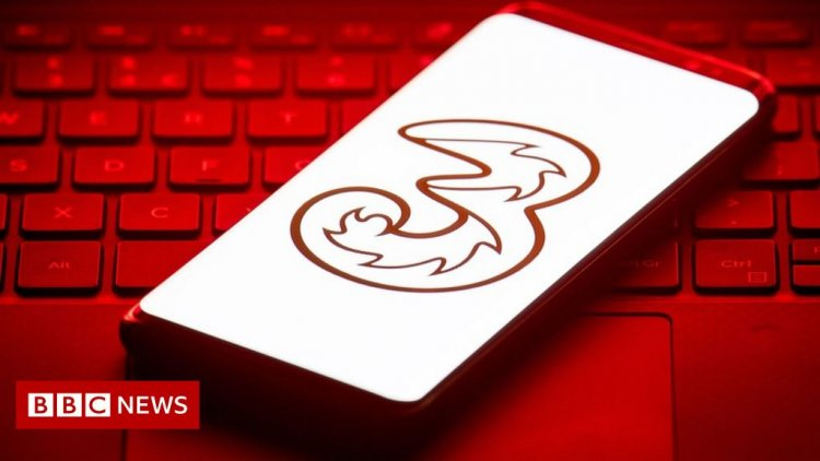 Three brings in EU roaming charges and ends global scheme