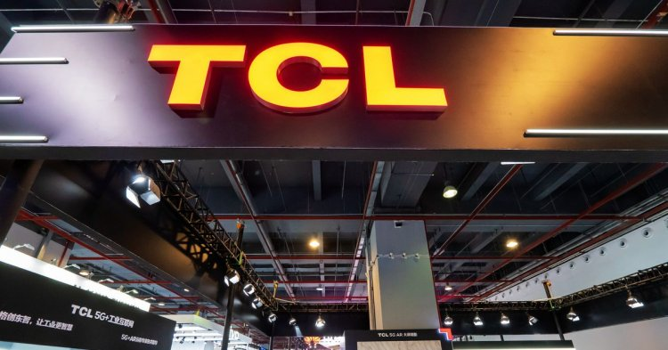 TCL won't release a foldable smartphone this year